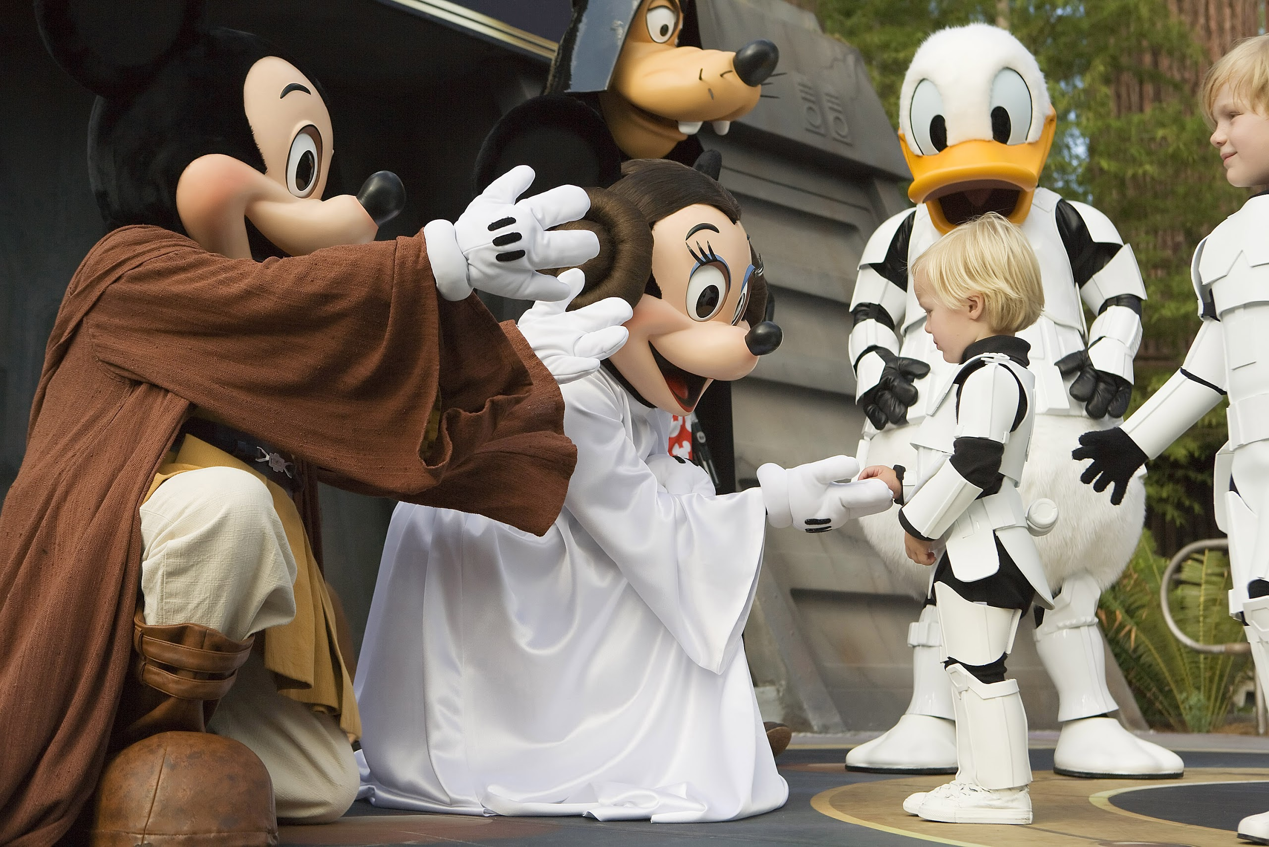 RUMOR: Star Wars Weekends Being Retired, No More Mickey & Friends as Star Wars Characters