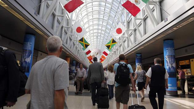 UNITED TO REMOVE MOVING WALKWAYS AT O'HARE AIRPORT