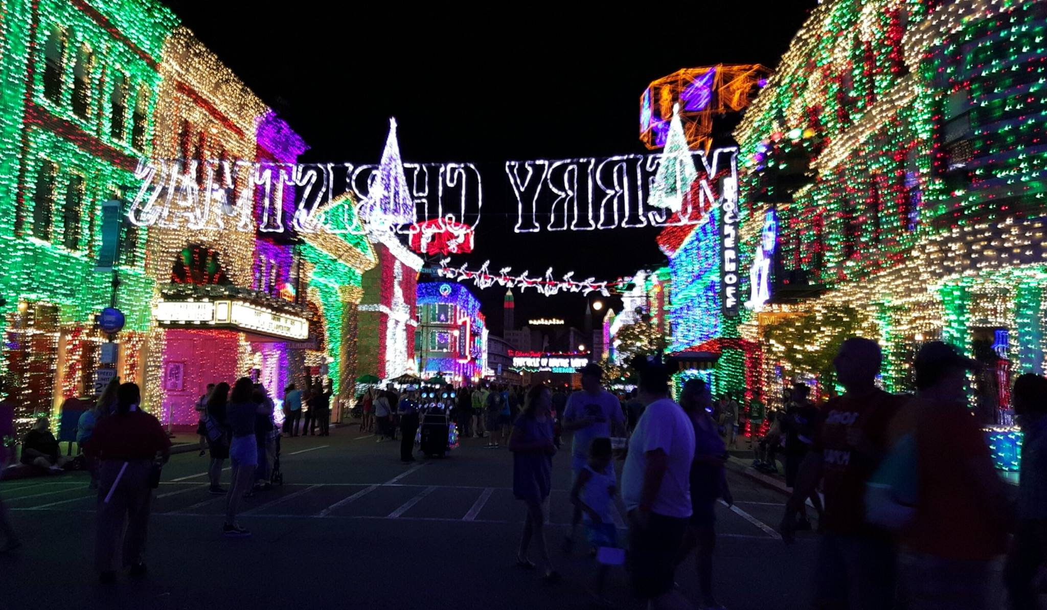 "A Final Look Back at the 2015 – 20th & Final ""Osborne Family Spectacle of Lights"""