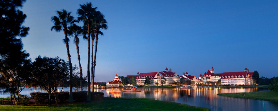 Grand Floridian Resort: Phone Charging Stations Available
