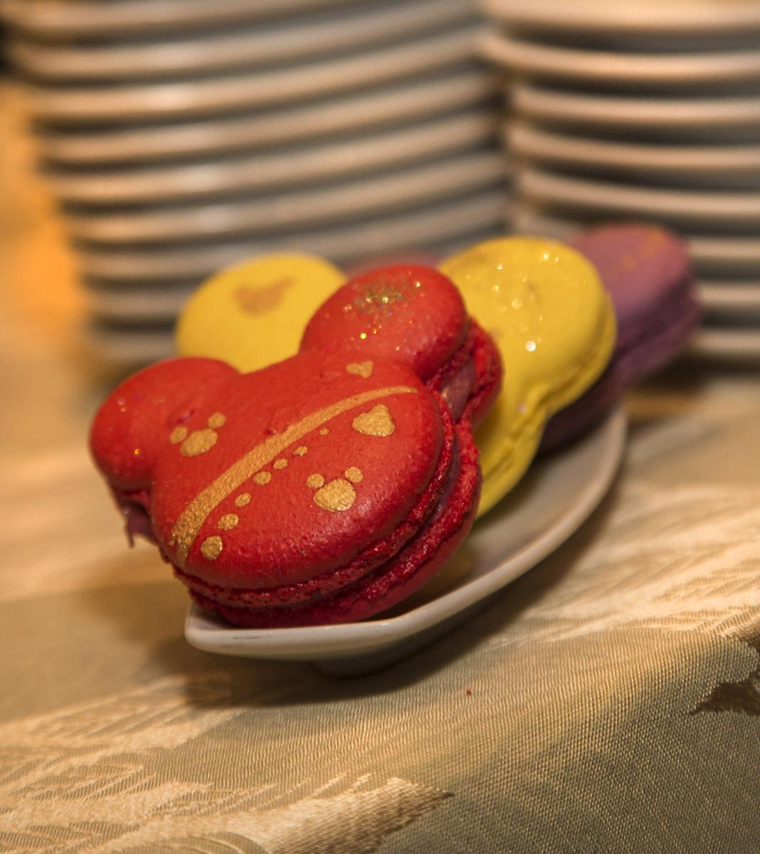 A Sweet Lesson: Macaroons vs. Macarons