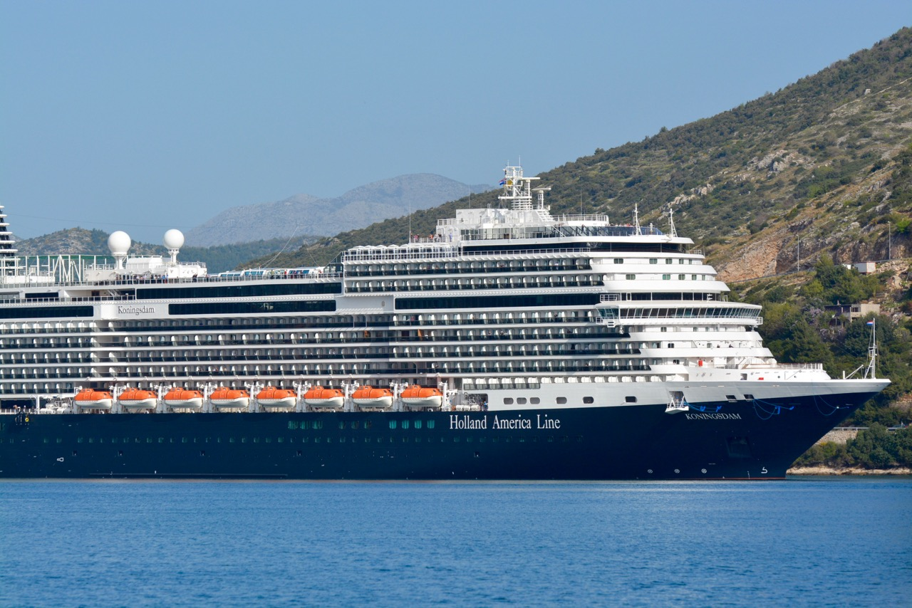 Cruise Ship Tour: Music and Dining on Holland America's New Koningsdam