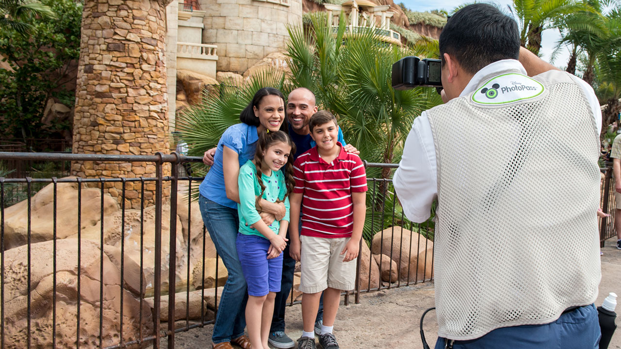 Welcome to Our World! What is Disney PhotoPassService?