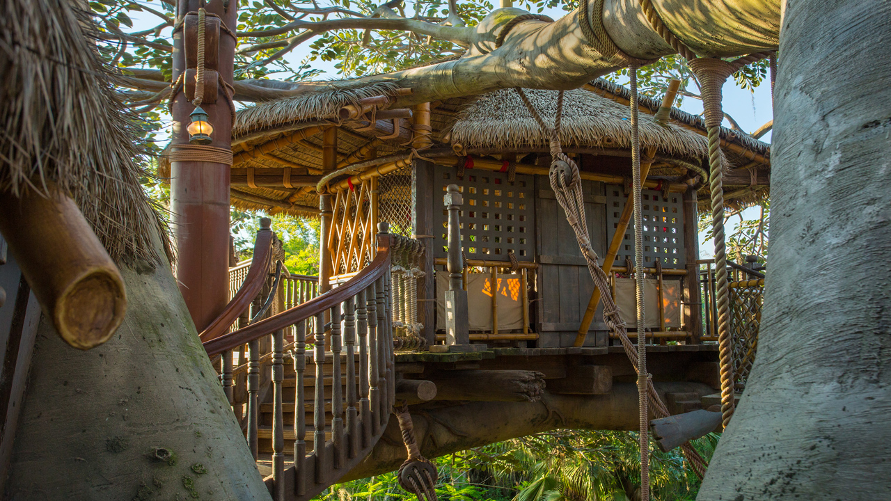 A Fabulous 45th: The Swiss Family Robinson Treehouse & 45th Anniversary Wallpaper: Swiss Family Treehouse