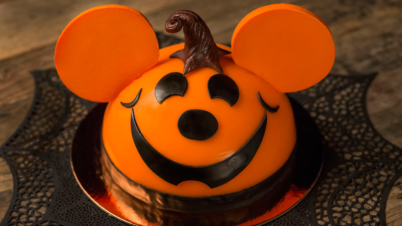 Seasonal Sweets Haunt Amorette's Patisserie, D-Luxe Burger and The Ganachery at Disney Springs