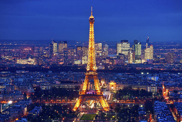 Paris to Launch 'Charm Offensive' to Boost Tourism