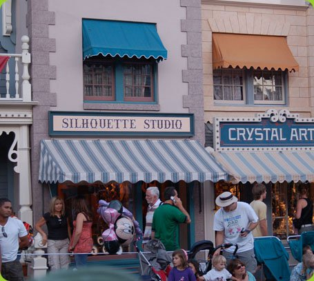 The Shops of Main Street, U.S.A.: Silhouette Studio