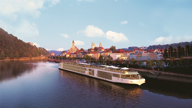 What Sets River Cruising Apart from Ocean Cruising
