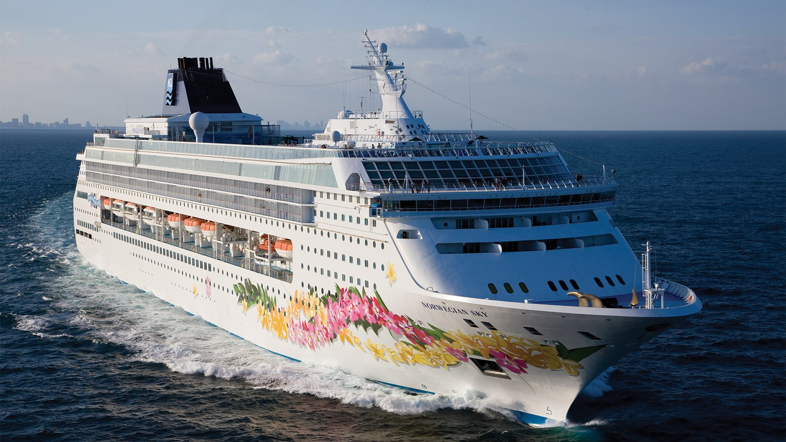 Norwegian Cruise Line hikes gratuities
