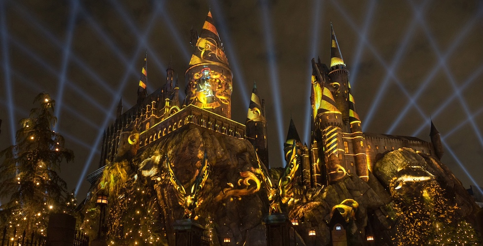 Universal Studios Hollywood invites guests to experience 'The Nighttime Lights at Hogwarts Castle' Beginning June 23