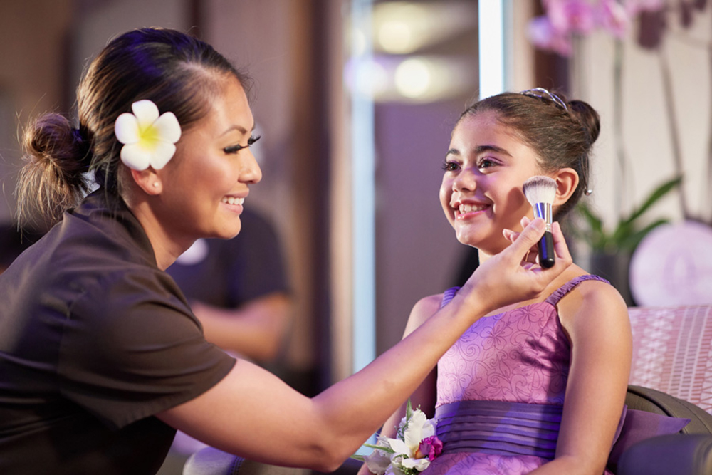 Children Find Enchantment Beyond the Painted Sky at Aulani, A Disney Resort & Spa