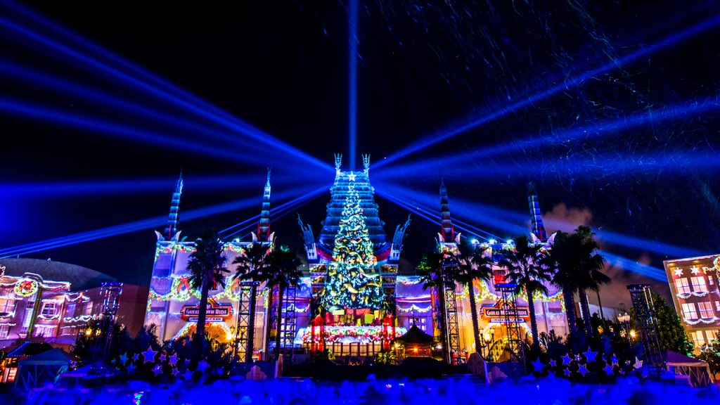 Celebrate the Holidays at Disney's Hollywood Studios with the 2019 'Jingle Bell, Jingle BAM!' Dessert Party !