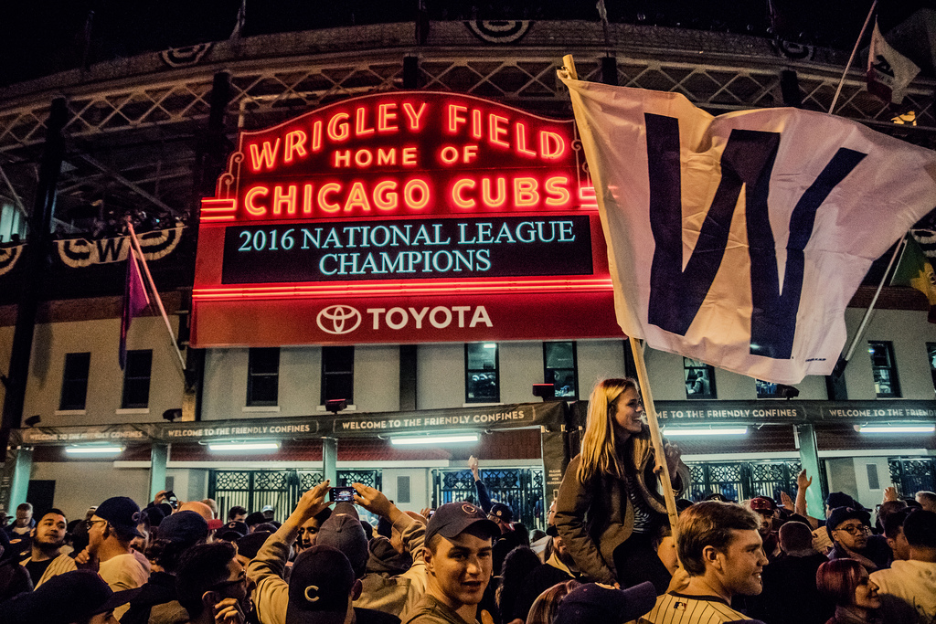 7 Things To Do in Chicago While Waiting for a World Series Game to Start