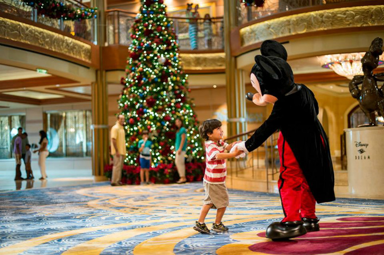 Give The Gift of Disney Memories This Holiday Season!