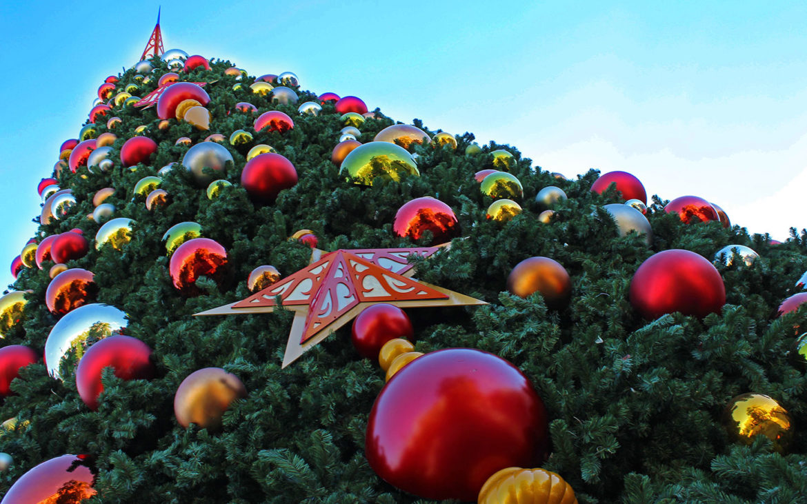 HOLIDAYS AT UNIVERSAL ORLANDO RESORT BY THE NUMBERS