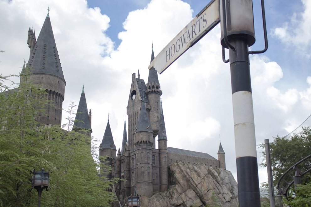 3 Reasons the Wizarding World of Harry Potter is the Best Themed Area